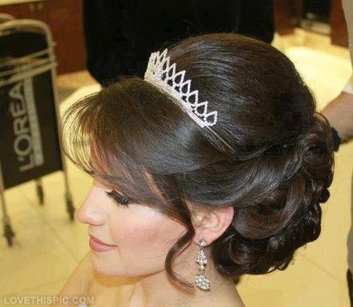 Strange 1000 Ideas About Tiara Hairstyles On Pinterest Wedding Tiara Short Hairstyles For Black Women Fulllsitofus