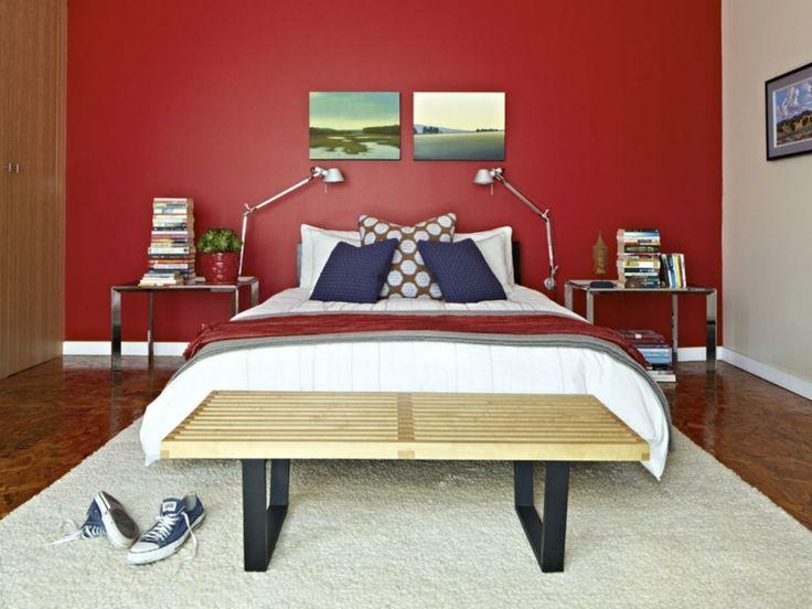 couleur peinture chambre adulte et mur d'accent en rouge
