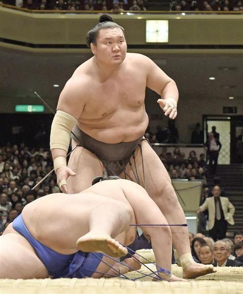 横綱白鵬が新鋭を一蹴「いい相撲取れた」相手気遣う余裕も / 産経ニュース #相撲 #sumo