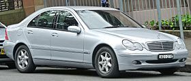 2004 Mercedes-Benz C 200 Kompressor (W 203) Elegance sedan (2011-12-06).jpg