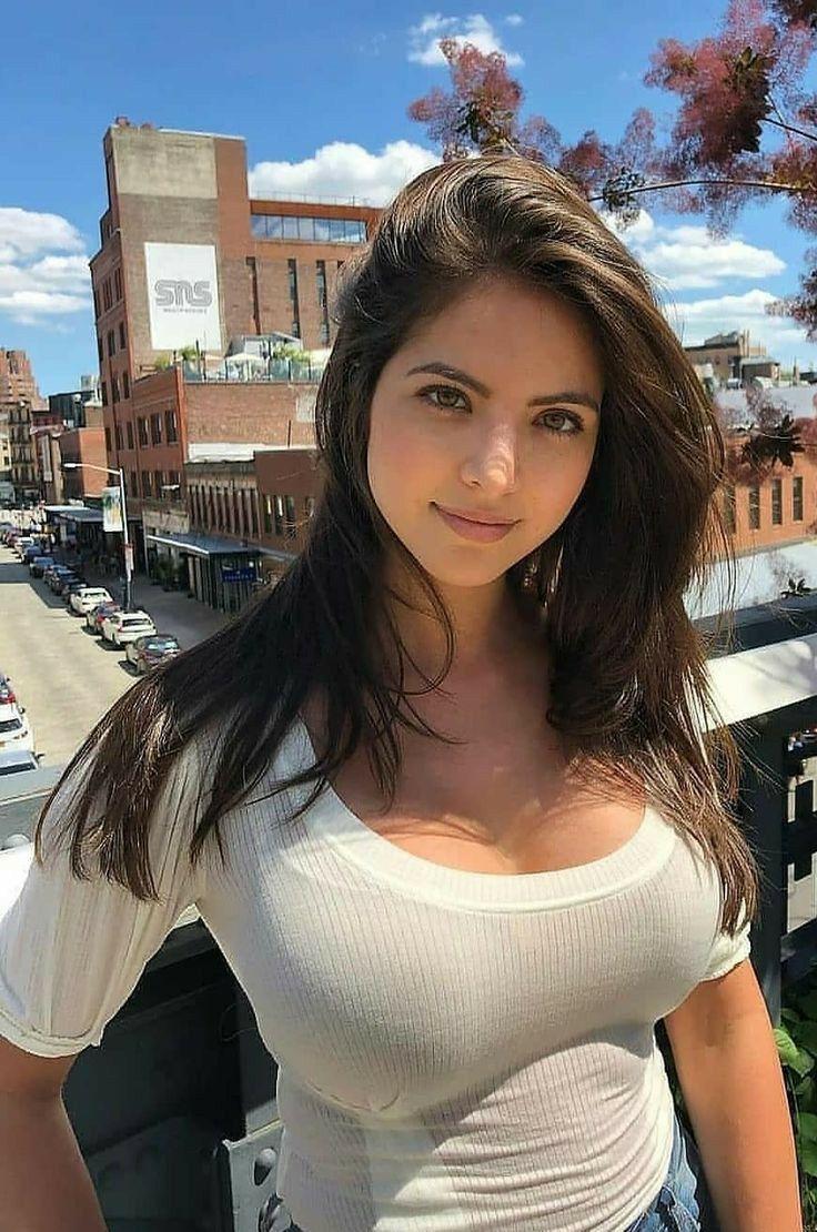 Fake Agent Sexy Brunette