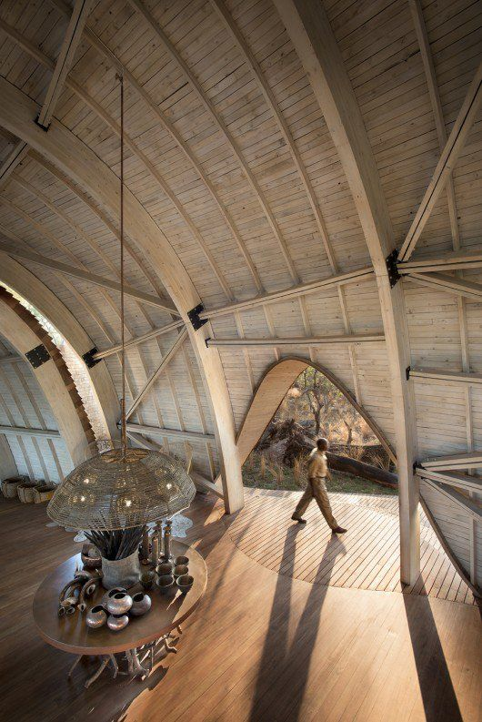 Sandibe Okavango Safari Lodge / Nicholas Plewman Architects in Association with…
