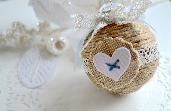 creative and chic christmas ornament