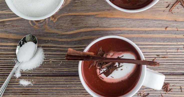 Ζεστή σοκολάτα red velvet