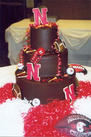 Always told Theresa I would have a chocolate wedding cake someday. This would just add so much more badass-ness! GO BIG RED!
