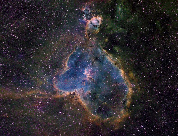 Nebulosa del Corazón (IC 1805, Sh2-190) Otra imagen. Se encuentra en el brazo de Perseo de la galaxia en la constelación de Casiopea.
