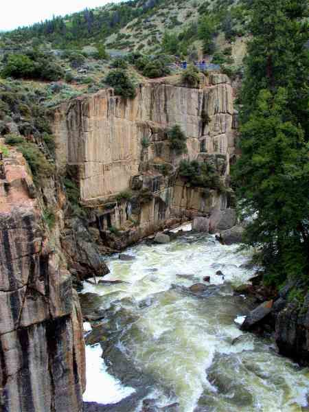 driving thru bighorn national forest | Bighorn National Forest, Wyoming