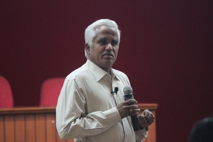 Through an interesting speech on 'Indian Economic and Business model', Dr. P. Kanagasabapathi, former Director of Tamil Nadu Institute of Urban Studies derived the linkage between India's cultural foundation and entrepreneurship strength. The talk challenged ASB Coimbatore students to have a deeper analysis of the business policies and practices existing in the country.