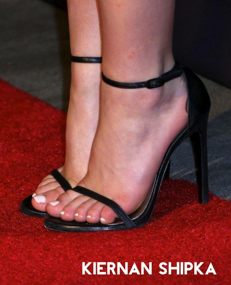 Top 10 Best Celebrity Feet (Men) - Grab Him