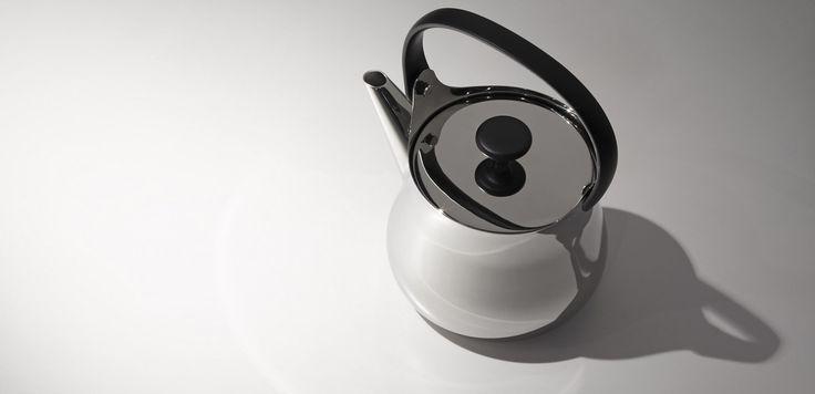 """""""Naoto Fukasawa con il progetto Cha per Alessi rigenera l'antica teiera tradizionale giapponese in un raffinato oggetto moderno, che dal piano cottura può essere portato direttamente in tavola."""" [cit. www.domusweb.it]"""