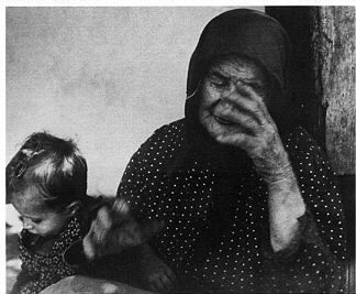 ESCHER KÁROLY: Gyermeknyomor a két világháború között