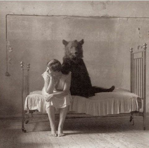 Retro Photos, Bears Hug, Vintage Photos, Teddy Bears, Art, Care Bears, Old Photos, Black White Photos, Photography