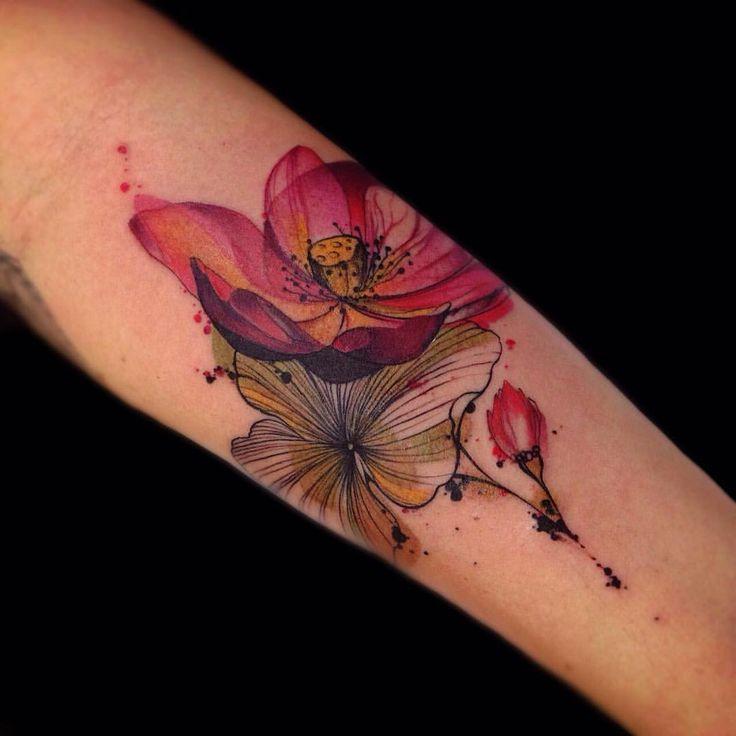 "337 Likes, 9 Comments - True Love Tattoo (@truelovetattoosp) on Instagram: ""Bom dia #flores do tatuador @phelliperodriguess pr.tatuagem@gmail.com ⚡️⚡️⚡️⚡️⚡️ #TrueLoveTattoo…"""