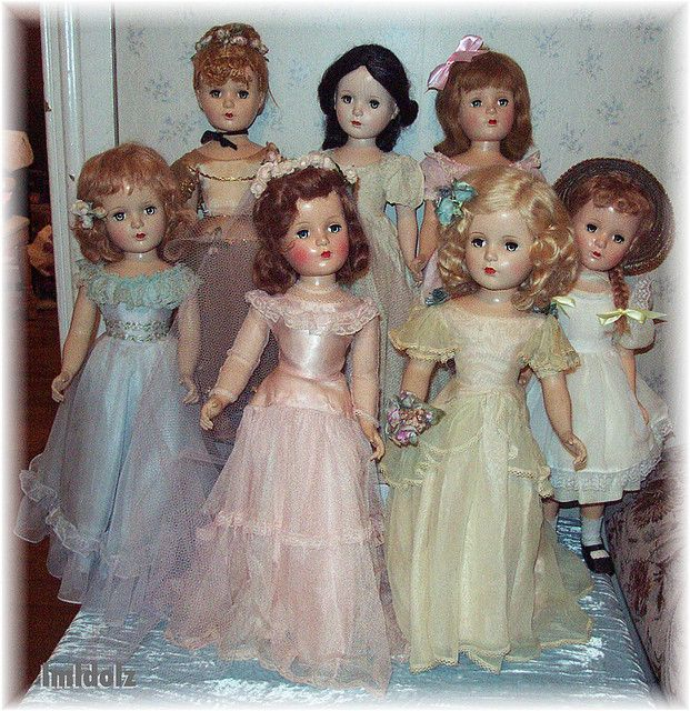 Group of 21-inch dolls by lmldolz, via Flickr