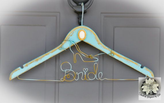 Touch of Vintage Cinderella Wedding Dress Hanger - Fairy-tale - Disney - Cinderella Shoe - Something blue - Original Design Hanger