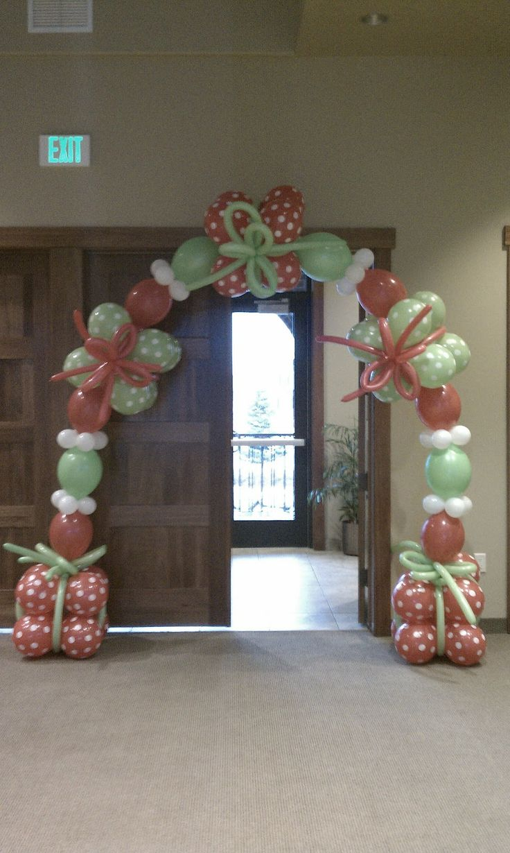 Best 25 christmas balloons ideas on pinterest for Balloon arch decoration ideas