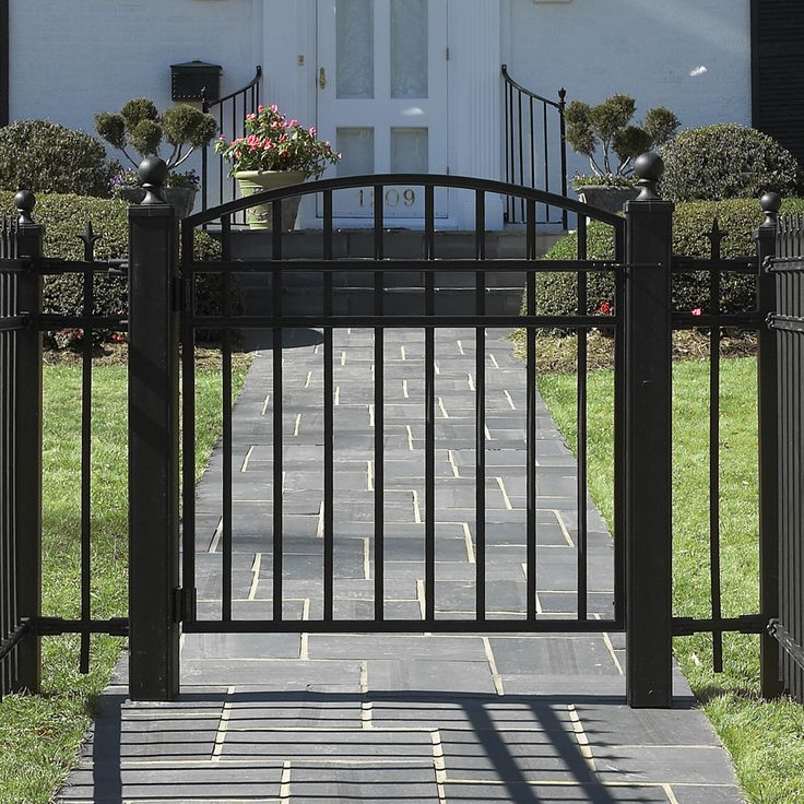 iron fence   Wrought Iron Fence Gate   Sharing Interior Designs , Architecture And ...