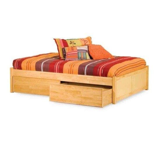 Современная кровать Конкорд  2972 грн 👍 http://stulchik.com.ua/detskie-krovati/sovremennaya-krovat-konkord.html Кровать Конкорд изготавливается из массива ольхи, дуба или ясеня, по Вашему желанию. Современный дизайн кровати, в который не входят изголовье и изножье, позволяет ей отлично смотреться в любом интерьере. Внизу располагаются вместительные подкроватные ящики для постельного белья. Также возможен более минималистичный вариант на ножках, без подкроватных ящиков. В основании кровати…