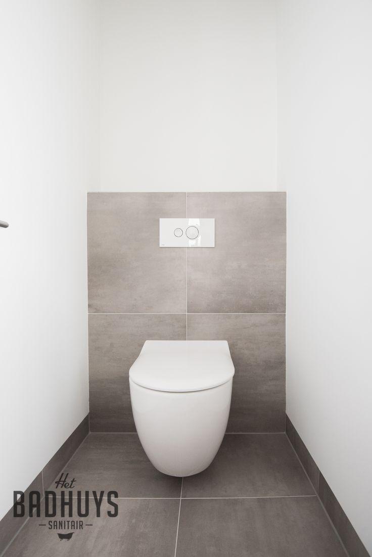 Moderne badkamer met maatwerk kasten het badhuys