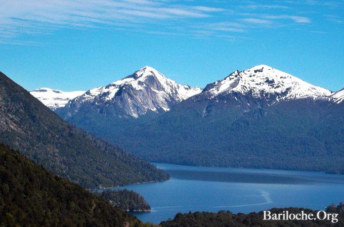 Buen Lunes!! Arrancamos la semana con esta hermosa postal camino hacia el refugio del Cerro Lopez. #Bariloche #FotoDeLaSemana  www.bariloche.org