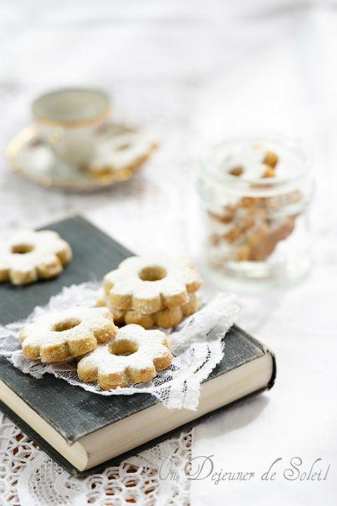 Un dejeuner de soleil: Canestrelli de Ligurie : biscuits sablés au citron et à la vanille