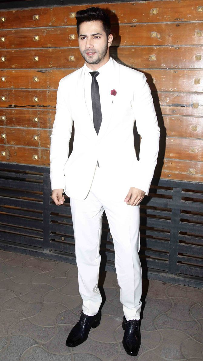 Varun Dhawan arriving at the 60th Filmfare Awards 2014. #Bollywood #Fashion #Style #Handsome