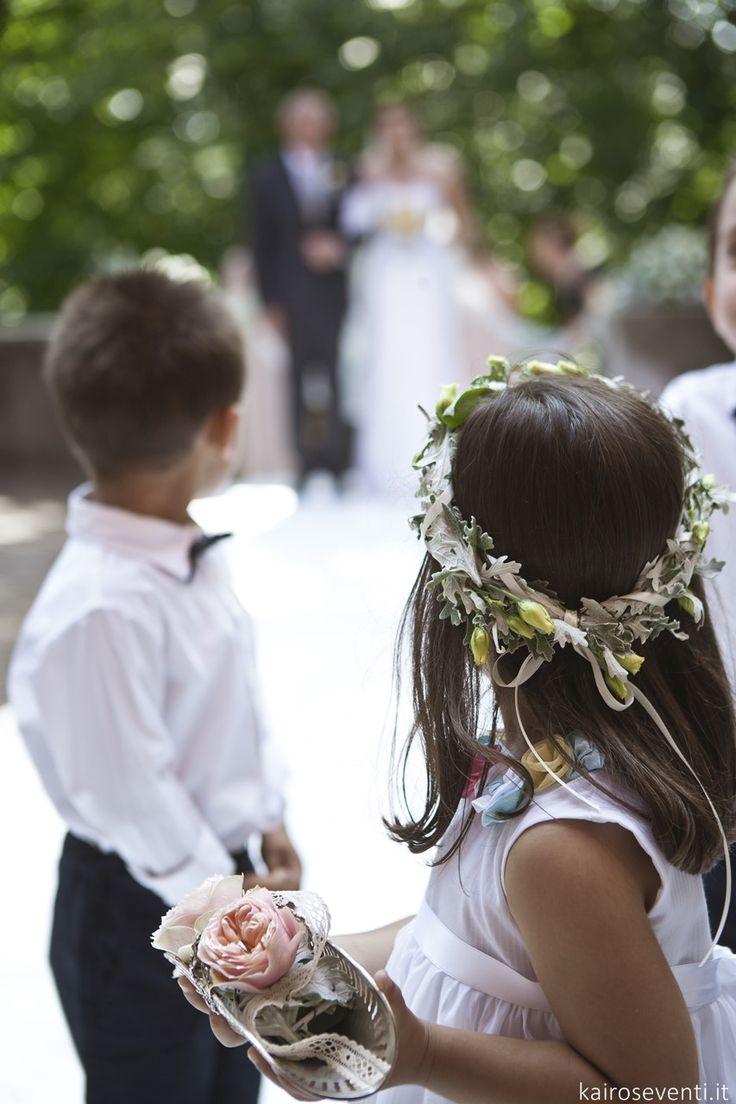 Damigella, paggetto e cuscino delle fedi. Wedding designer & planner Monia Re - www.moniare.com | Organizzazione e pianificazione Kairòs Eventi -www.kairoseventi.it | Foto Oscar Bernelli