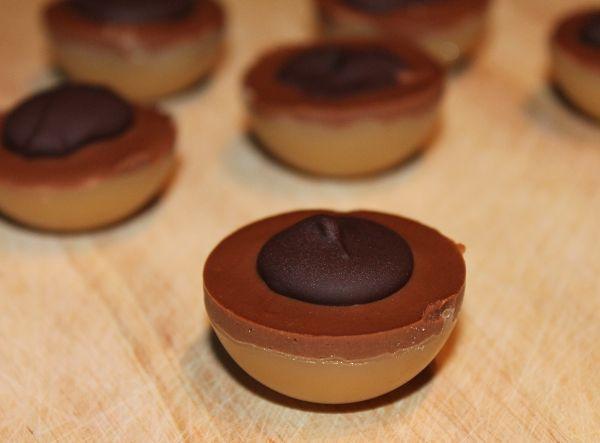 die besten 25 schokolade selber machen ideen auf pinterest wei e schokoladenborke bretzel. Black Bedroom Furniture Sets. Home Design Ideas