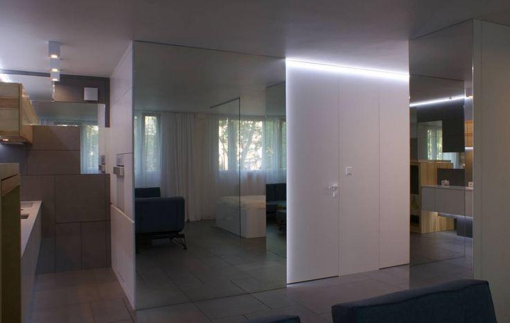 Grey-t : Modernistyczny korytarz, przedpokój i schody od t-design