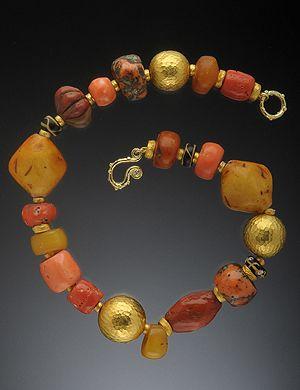 HUGHES-BOSCA 18K GOLD JEWELRY - Bracelets