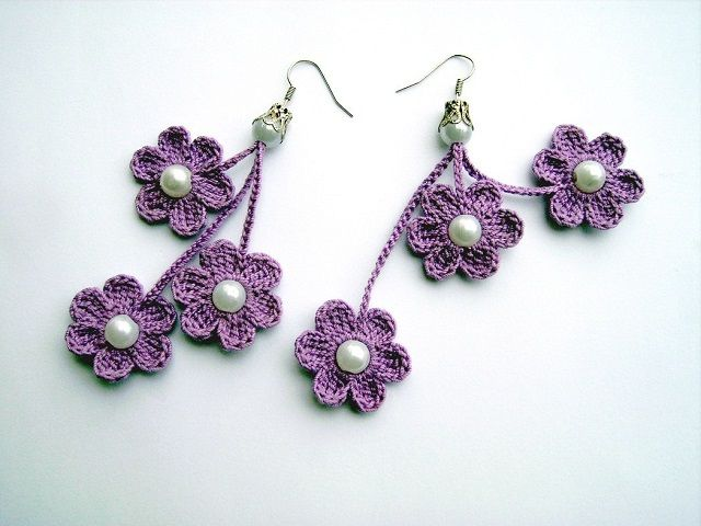 Pattern and tutorial to make earrings all'uncinettoa shaped flower