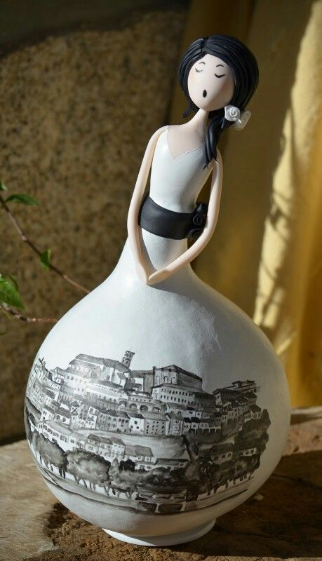 Coimbra painting on a gourd