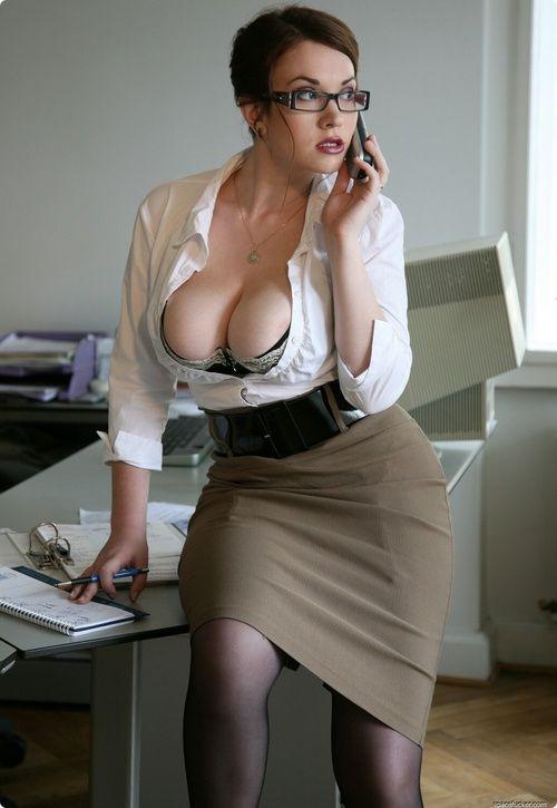 Mature Cougar Boss 15