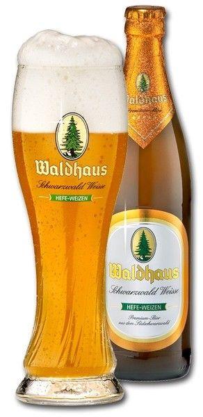 Cerveja Waldhaus Schwarzwald Weisse, estilo German Weizen, produzida por Waldhaus Privatbrauerei, Alemanha. 5.2% ABV de álcool.