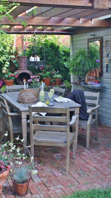 LOVE where the clay fireplace is! Mod Vintage Life: Garden Patios