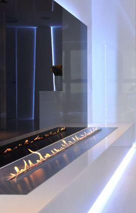 Minimalist fireplace, Sea Towers Apt by Ministerstwo Spraw We Wnetrzach _