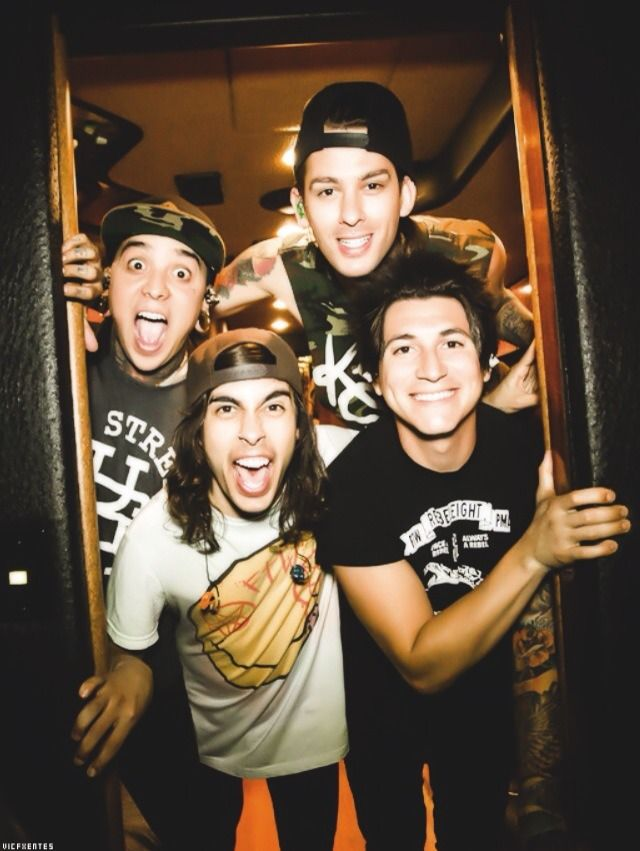 So so so excited to see/meet Pierce The Veil tomorrow! Their music has had a huge impact on my life and I cannot wait to tell them.