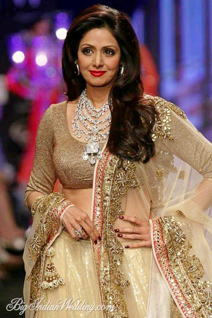 Sridevi in a diamond necklace by Golecha's at IIJW 2014