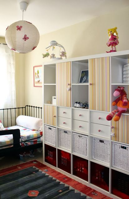 IKEA Hackers: A closet on a bookcase?