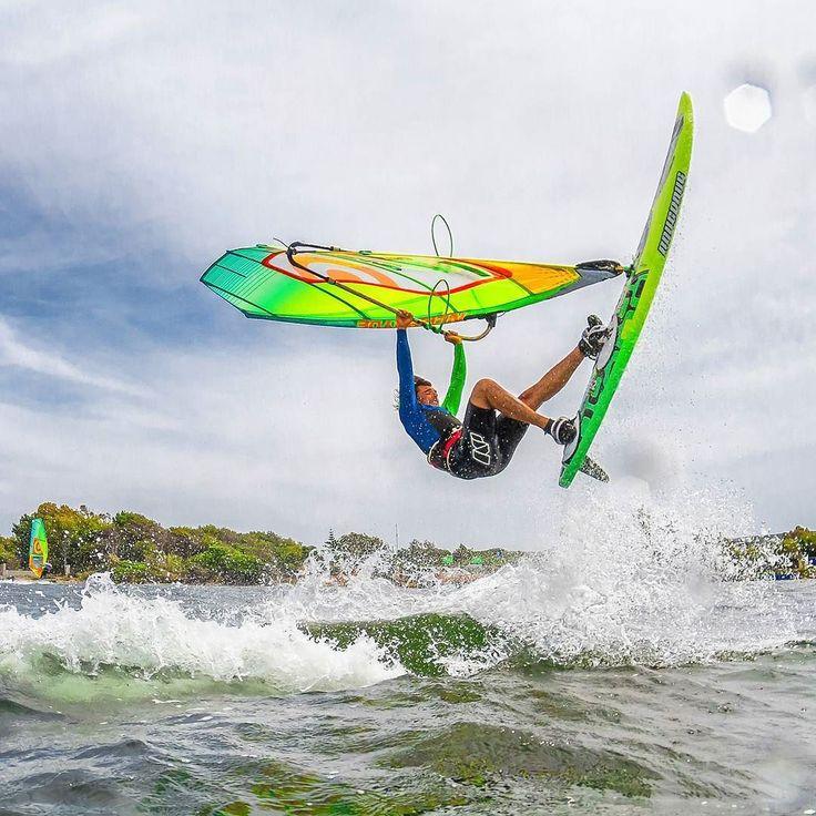 Pushing... #vittoriogreggio #windsurf #sardegna #lovetheocean #whatmakestheocean