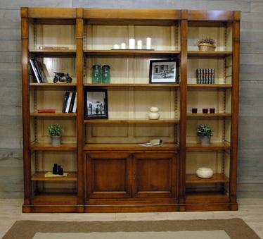Exemple de bibliothèque modulable réalisée par Les Ateliers de la Billardière