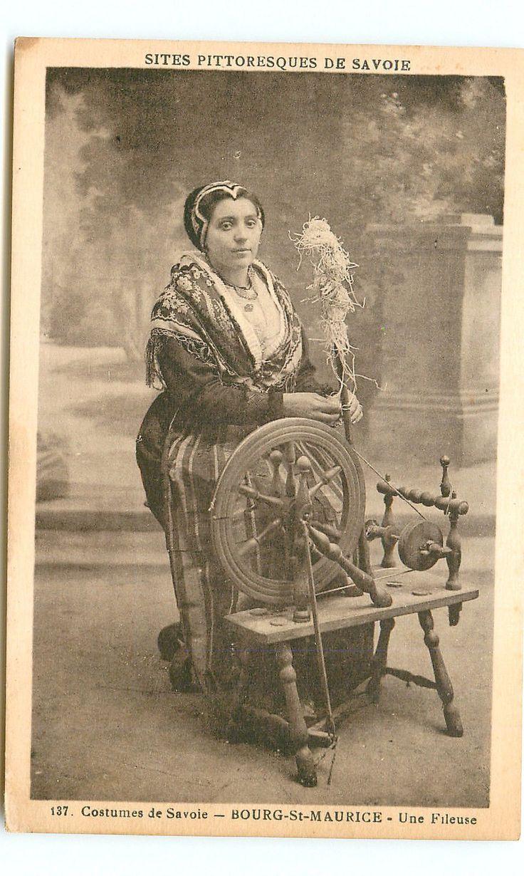BOURG ST MAURICE TARENTAISE SAVOIE FRANCE costume - fileuse. En savoir plus : www.gpps.fr avec les Guides du patrimoine des Pays de Savoie