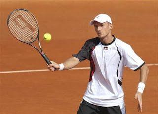 Quieres aprender a volear en el tenis? Mejorar tu técnica de voleo? Sigue estos efectivos consejos! CLICK AQUI: www.comojugartennisfacilmente.blogspot.com/2013/06/la-volea-en-el-tennis-consejos-y-trucos.html