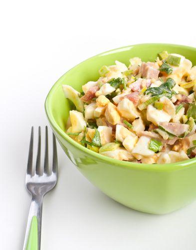 Αυγοσαλάτα με αβοκάντο και μήλο, μια πολύ διαφορετική επιλογή για βραδινό