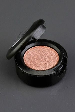 MAC eye shadow. Honey lust. Must have for blue or Green eyes.       I've used this eyeshadow for years! I always get compliments on my blue eyes when I wear it. ♥