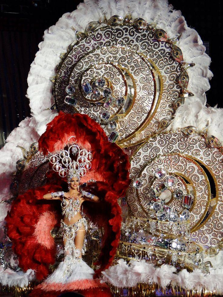 Gala de carnaval en Tenerife, elección de la reina | carnival in Tenerife, Canary Islands, fantasy costumes, design, election of the queen | Karneval in Teneriffa, Kanarische Inseln, Phantasie, Kostüme, Karnevalsköniginnen