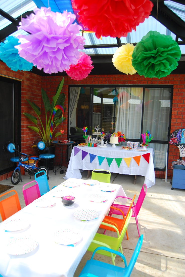 Party decorations and table
