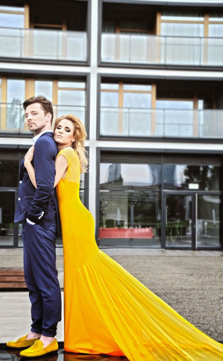 Żółta suknia z kolekcji RAINDROPS RINA COSSACK  fot. made in Ławrynowicz