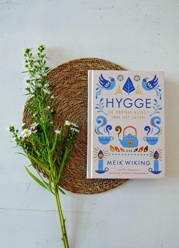 Hoe komt het toch dat de Denen zo gelukkig zijn? Een antwoord: Hygge. Wat dat is, en hoe je dat toepast op je eigen leven lees je in dit boek!