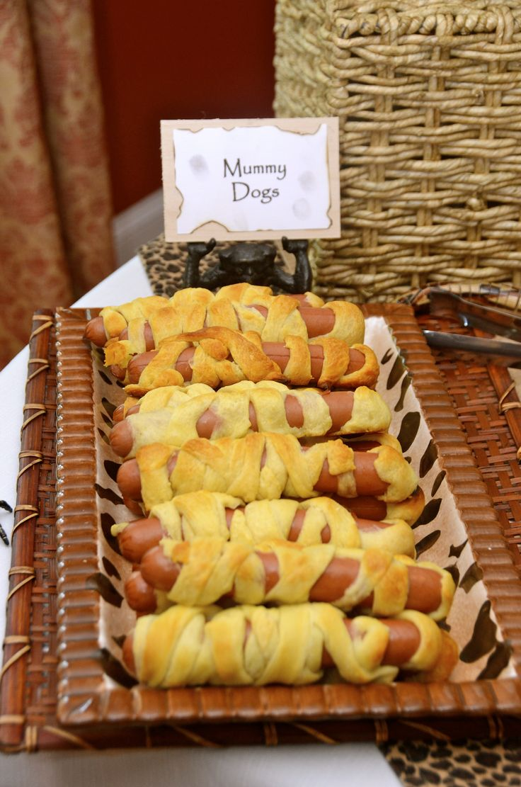 Indiana Jones: Party food: Mummy Dogs
